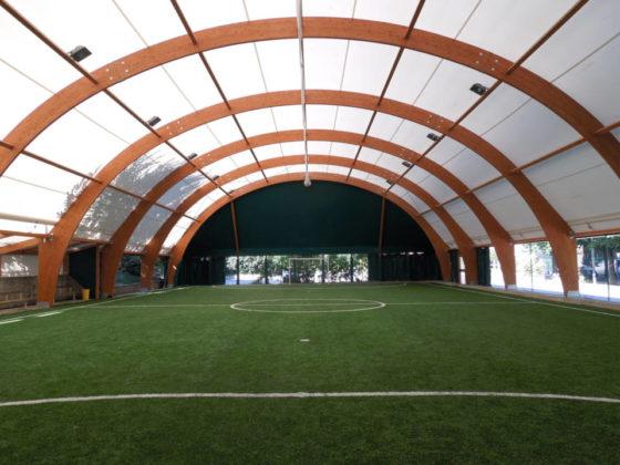 Pallone con struttura in legno lamellare